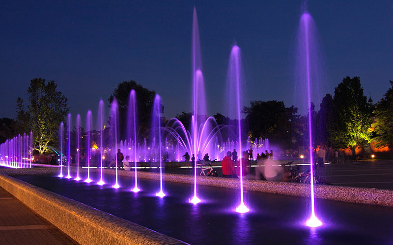 Electricity-Free Musical Fountains